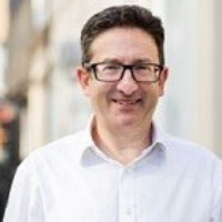 Dr Daniel Ruiz